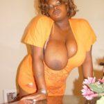 gros seins de mama africaine
