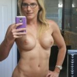 MILF blonde nue